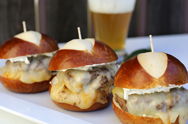 Spicy Jalapeno Burger Sliders