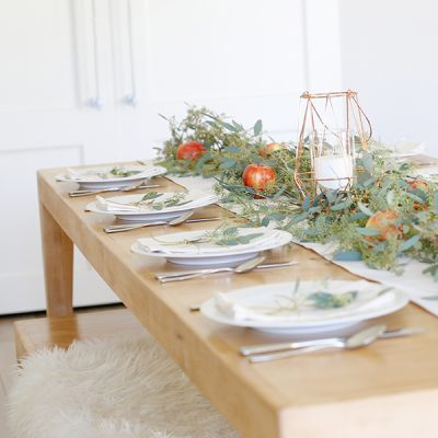 Simple Elegant Thanksgiving Tablescape