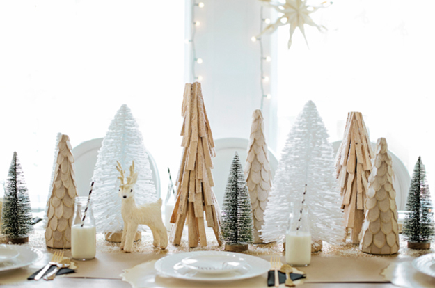 monika hibbs black white and gold christmas tablescape