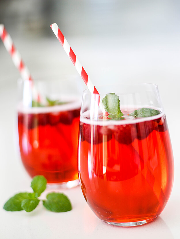 Easy Vodka Cranberry Raspberry Cocktail Recipe
