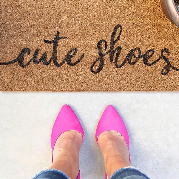 DIY Painted Doormat – Cute Shoes