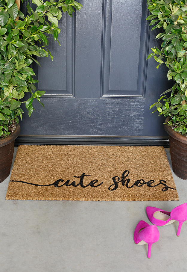 DIY painted doormat cute shoes tutorial