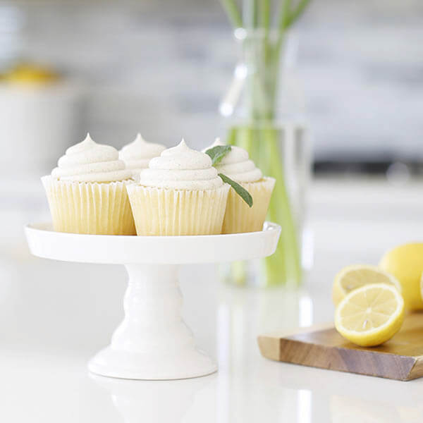 Vanilla Bean Cupcakes filled with lemon, Buttercream Frosting