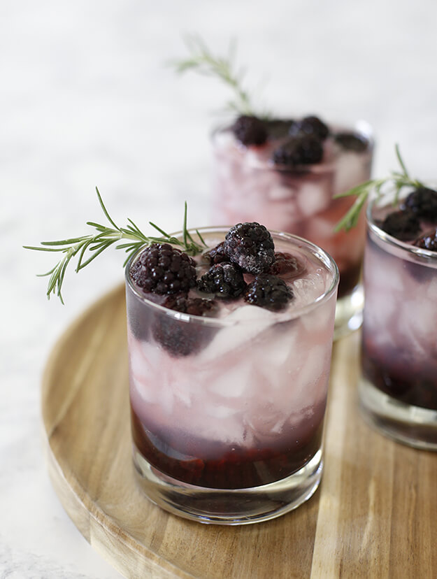 Easy Refreshing Blackberry Cocktail Recipe