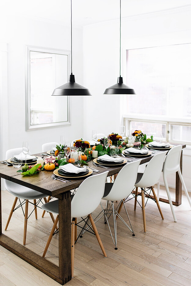 7 Simple Gorgeous Modern Thanksgiving Tablescapes-1
