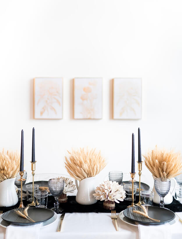7 Simple Gorgeous Modern Thanksgiving Tablescapes-12