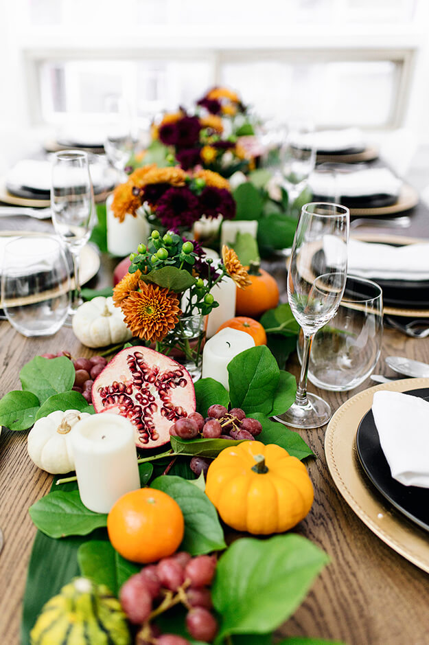 7 Simple Gorgeous Modern Thanksgiving Tablescapes-2