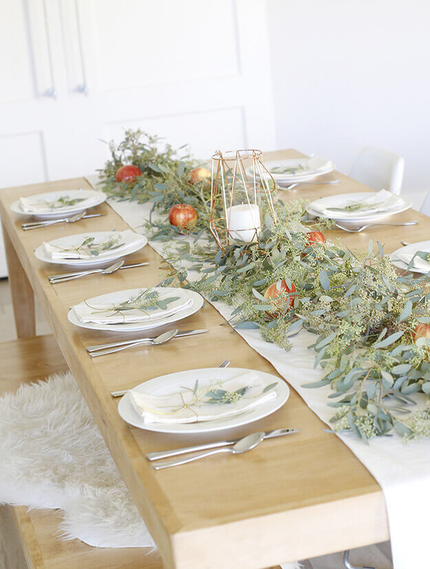 7 Simple Gorgeous Modern Thanksgiving Tablescapes Your Marketing BFF-3