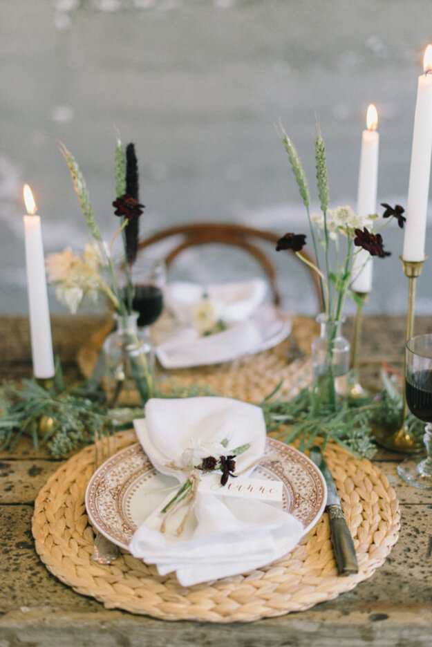 7 Simple Gorgeous Modern Thanksgiving Tablescapes-5