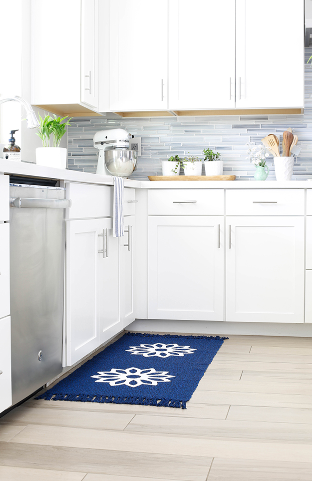 diy painted kitchen rug blue and white-3
