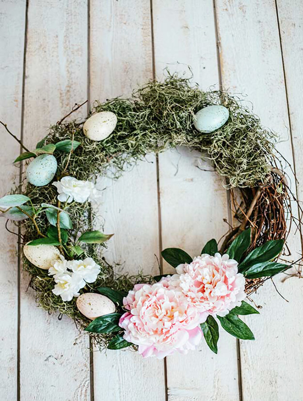 9 unique easter egg decorating ideas - egg wreath