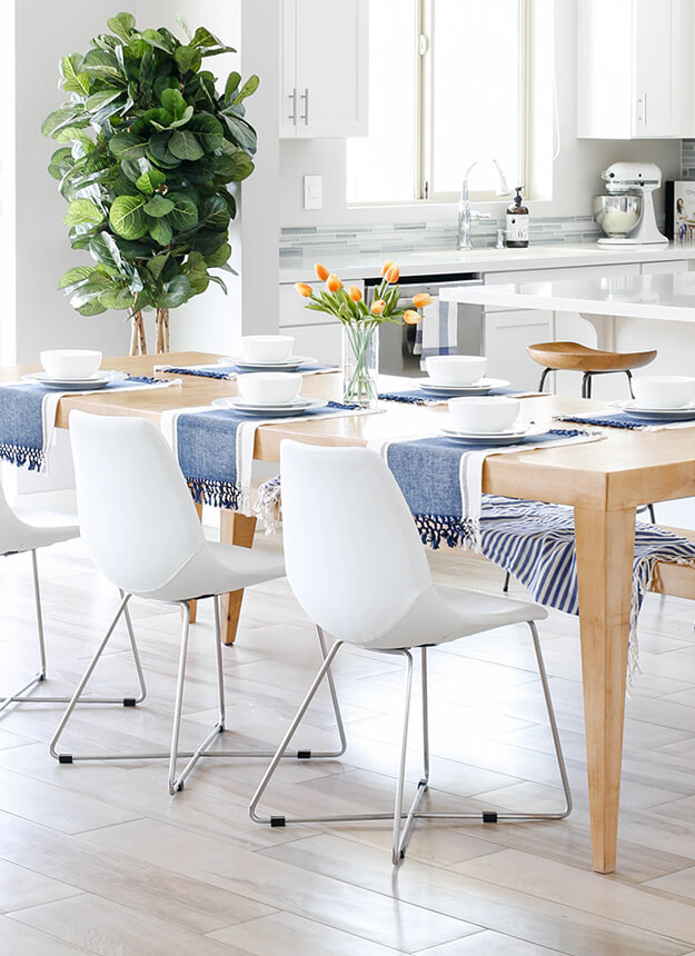 transitional modern house spring home tour decorating ideas blue white tablescape-7