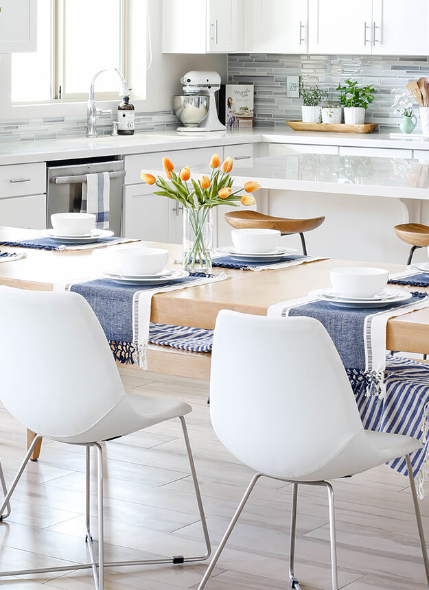 transitional modern house spring home tour decorating ideas blue white tablescape-8