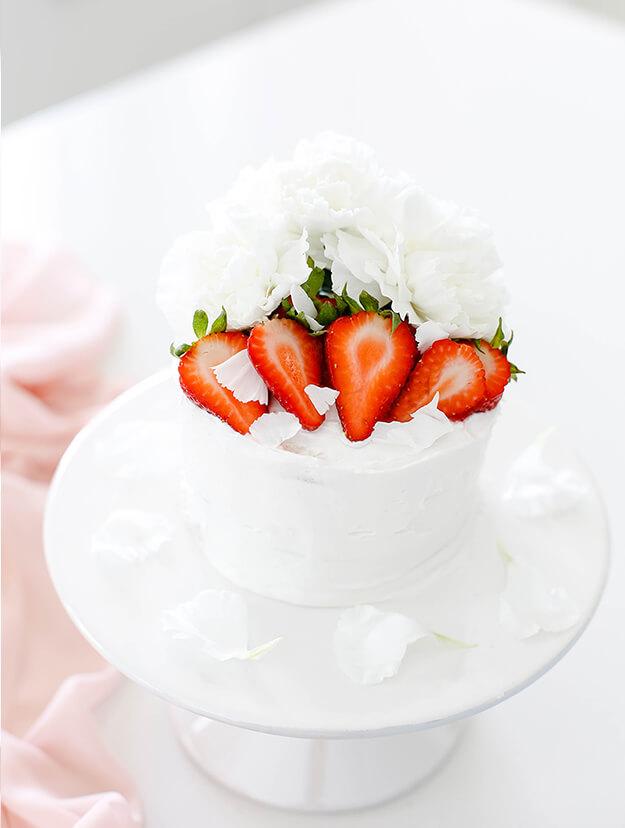 Easy Strawberry Vanilla Layer Cake 4