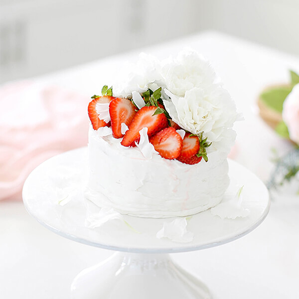 Easy Strawberry Vanilla Layer Cake