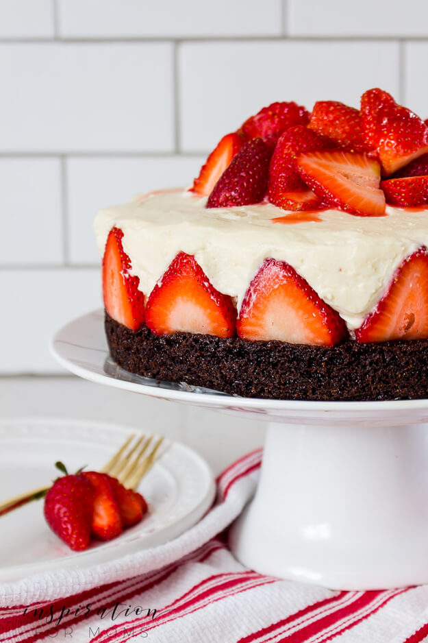 strawberry brownie cheesecake by Inspiration For Moms