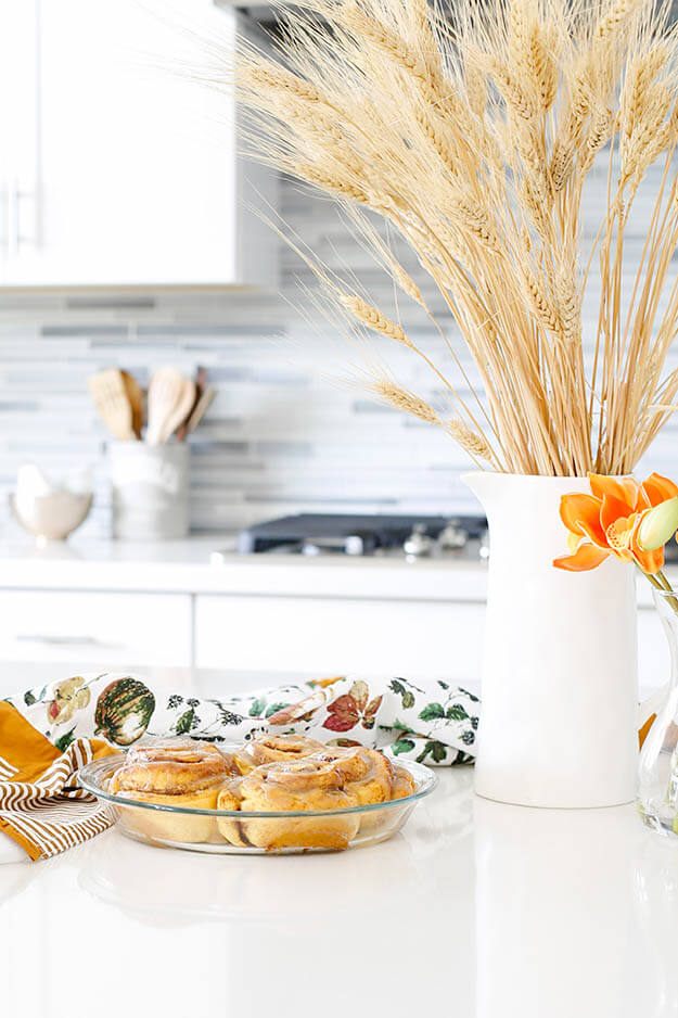Simple Fall Decor Ideas For The Budget Friendly Minimalist