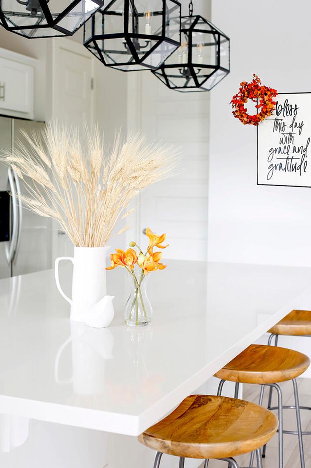 Simple fall decor ideas for the budget friendly minimalist-5