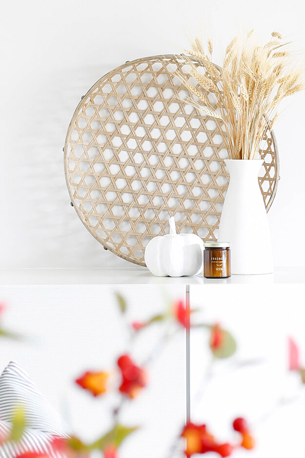Simple fall decor ideas for the budget friendly minimalist-9