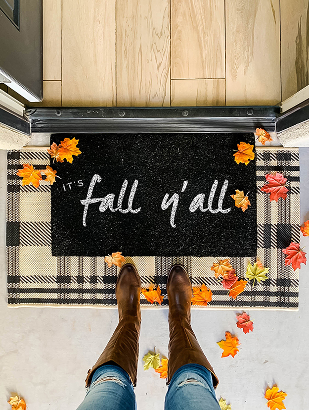 easy DIY Fall Doormat painted