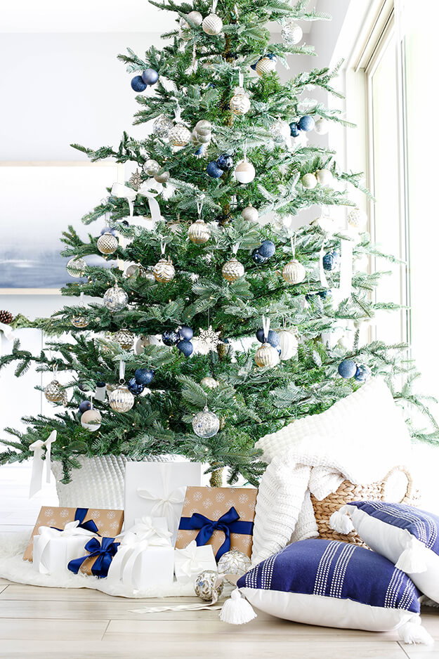 Modern simple blue and sage Christmas -19