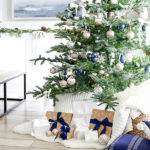 Modern simple blue and sage Christmas -feature