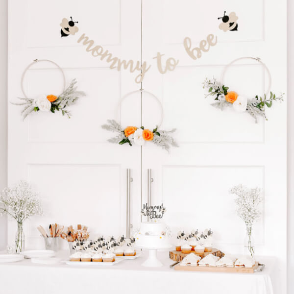 Mommy to Bee baby shower on a budget -feature
