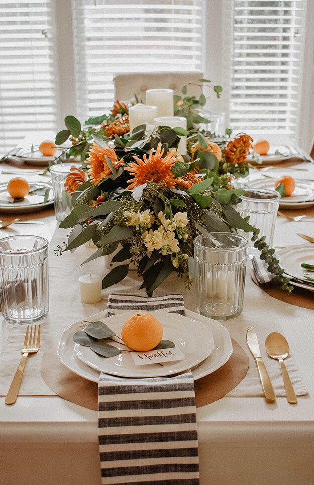 Rustic Modern Natural Thanksgiving Tablescapes -2