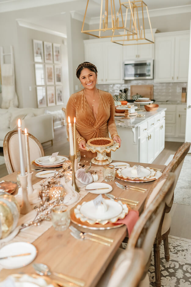 Rustic Modern Natural Thanksgiving Tablescapes -4