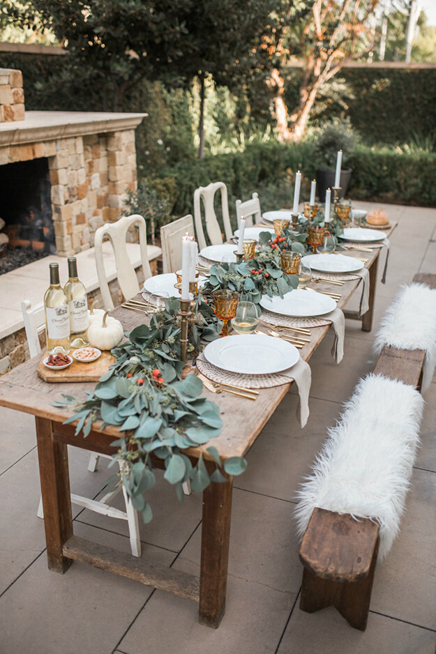 Rustic Modern Natural Thanksgiving Tablescapes -5