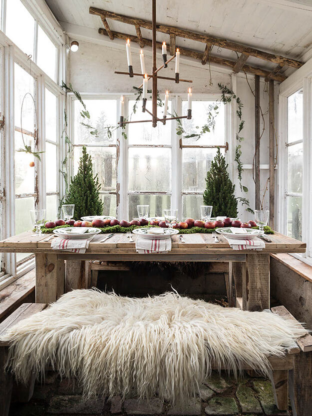 Rustic Modern Natural Thanksgiving Tablescapes -7